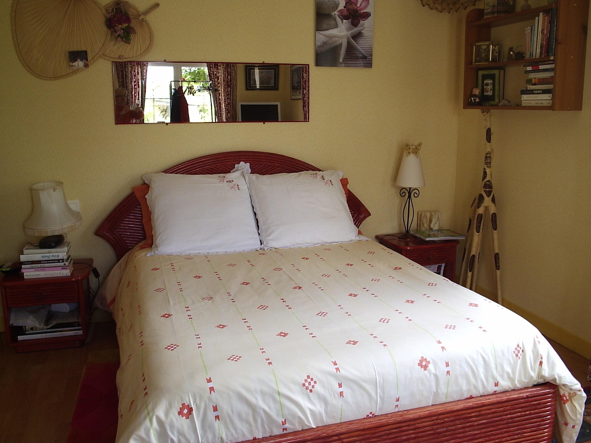 chambre 1 bis chambres d 39 h tes la roseraie 300m des plages. Black Bedroom Furniture Sets. Home Design Ideas